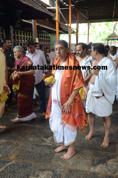 N. Srinivasan, chairman of International Cricket Council, at the Kukke Subrahmanya Templeon Monday